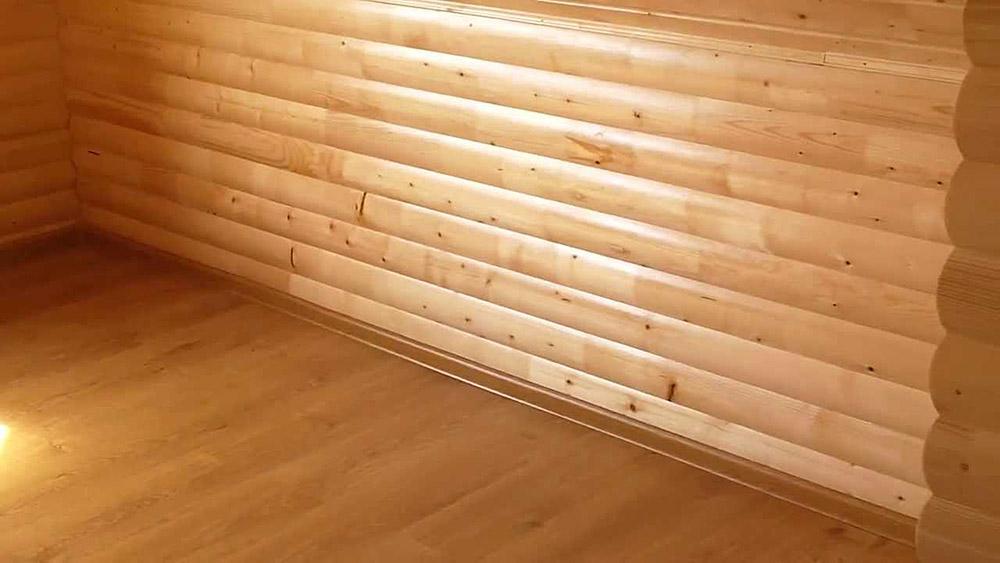 Пример отделки внутреннего пространства бани блок-хаусом